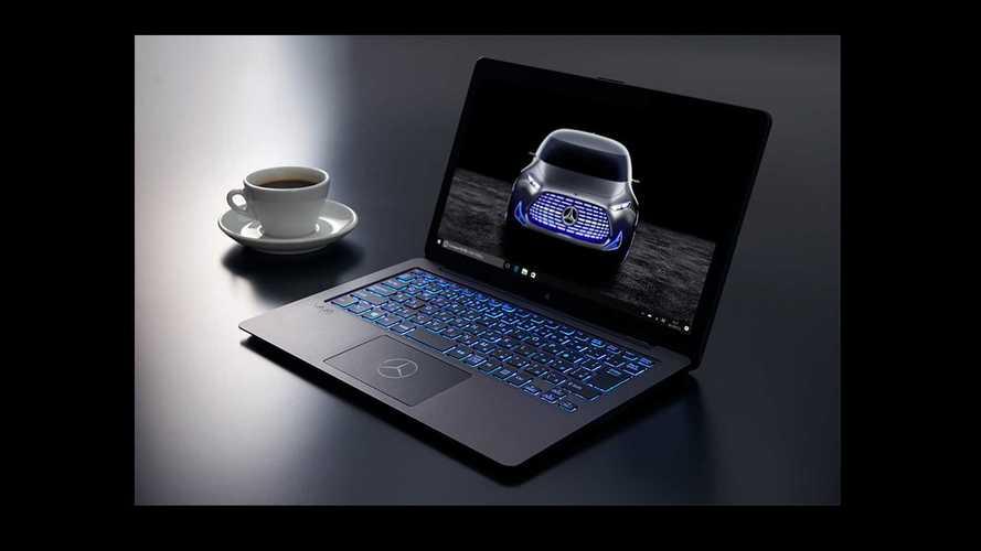 Sony ve Mercedes özel seri bir Laptop için bir araya geliyor