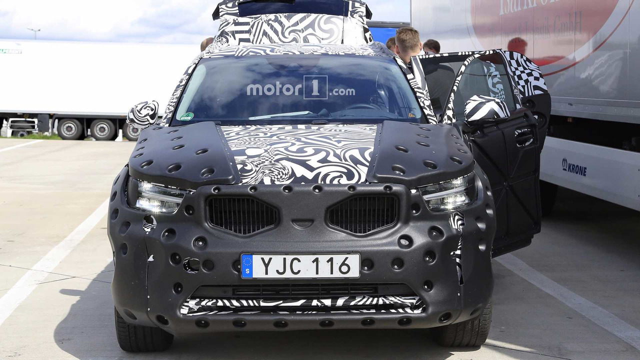 2018 Volvo XC40 new spy photos