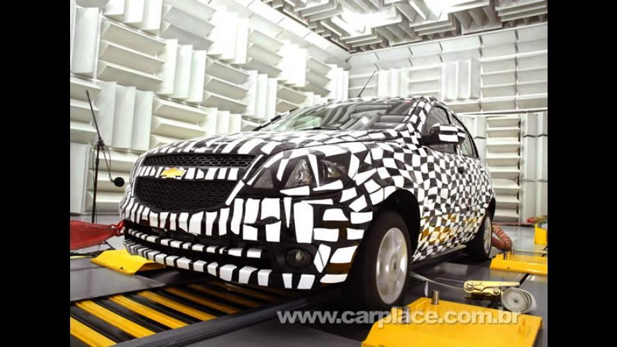 Chevrolet divulga as primeiras fotos oficiais do Novo Agile 2010 ainda camuflado