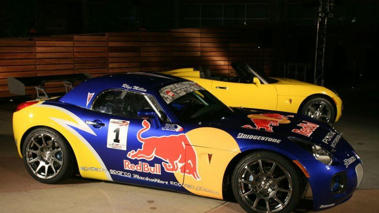 Pontiac Red Bull Solstice GXP Drifting Car