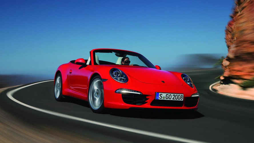 Porsche 911 Convertible gets detailed [video]