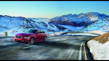 Jaguar XE, a Los Angeles debutta la trazione integrale