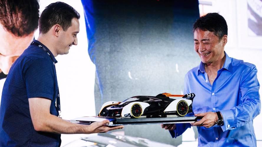 McLaren Ultimate Vision GT a escala 1:8 de Amalgam