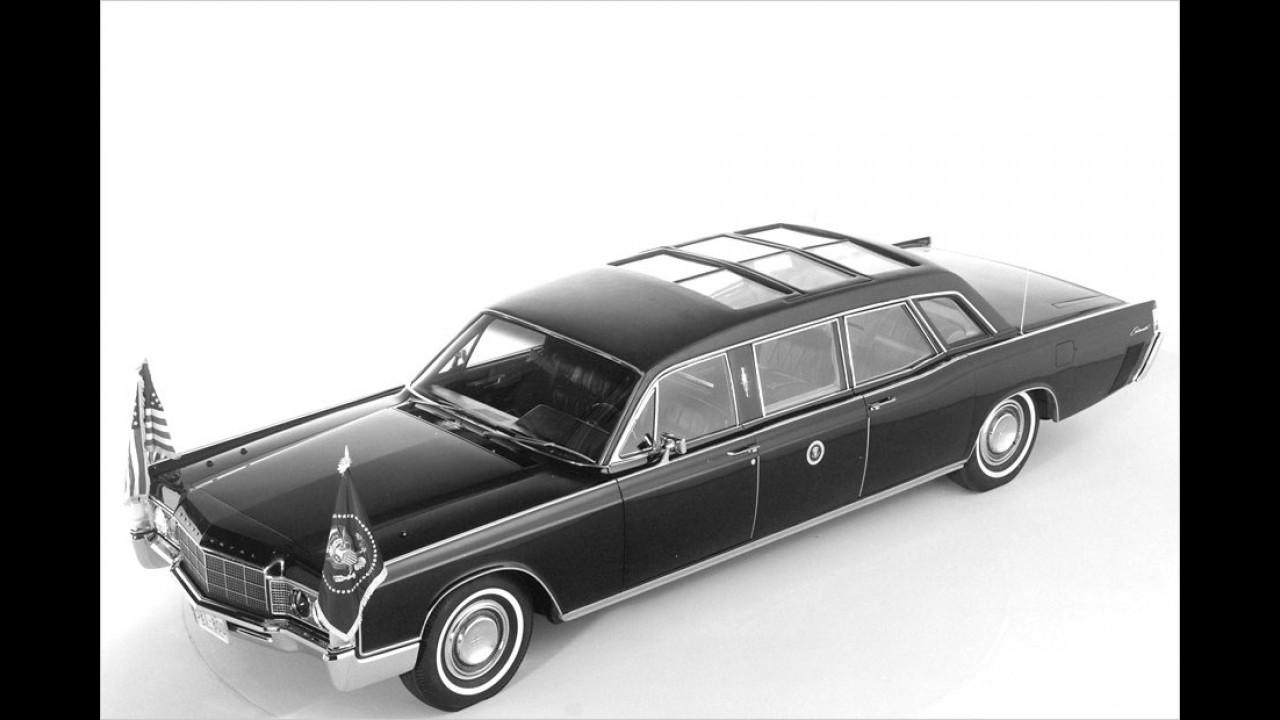 Nachfolger von Johnson wurde im Jahr 1969 Richard Nixon. Aus diesem Jahr stammt auch dieser Lincoln.