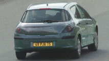 Spy Photos: Peugeot 308 hatchback undisguised