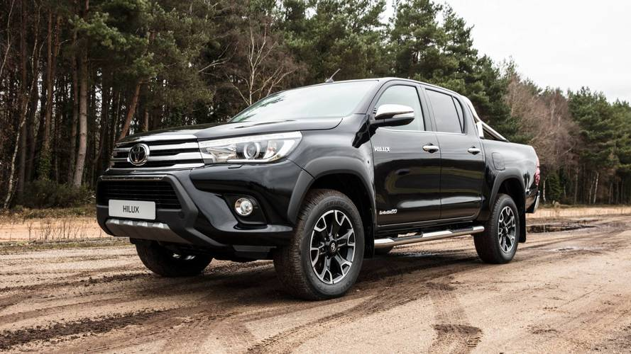 Toyota Hilux comemora 50 anos com série Invincible Chrome Edition