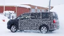 2018 Mitsubishi Delica spy photo