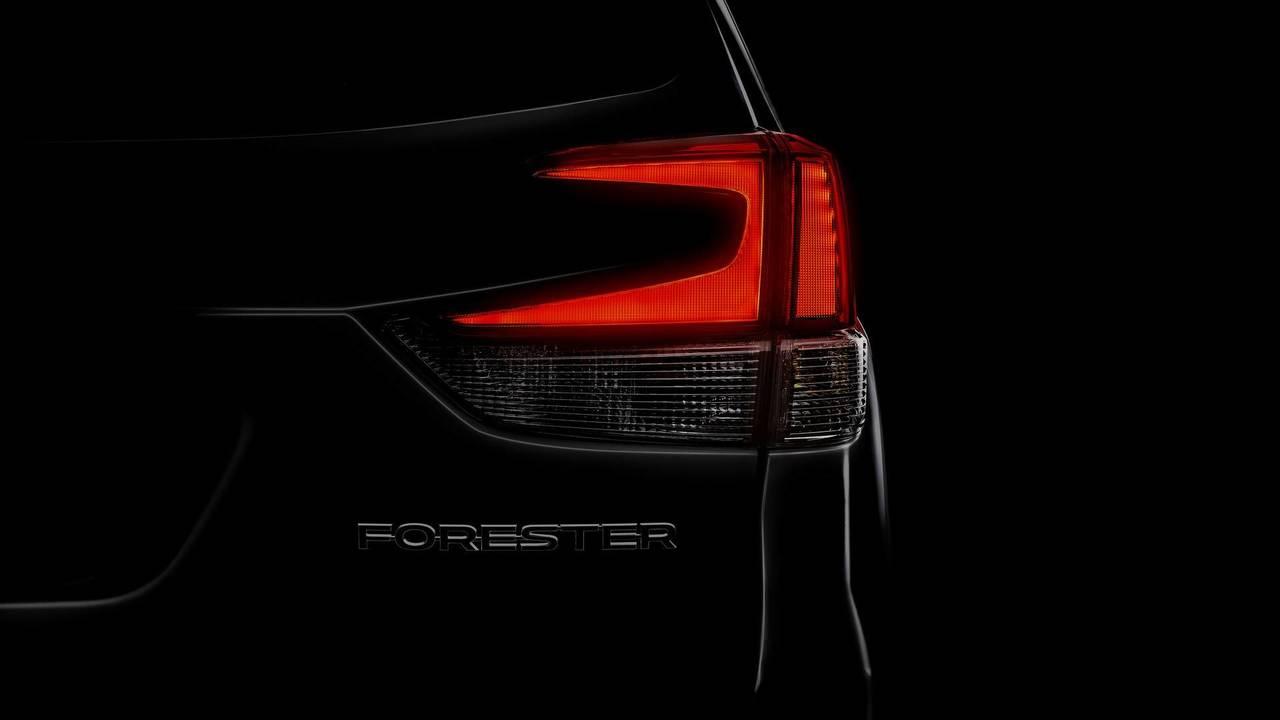 Teaser Subaru Forester 2018