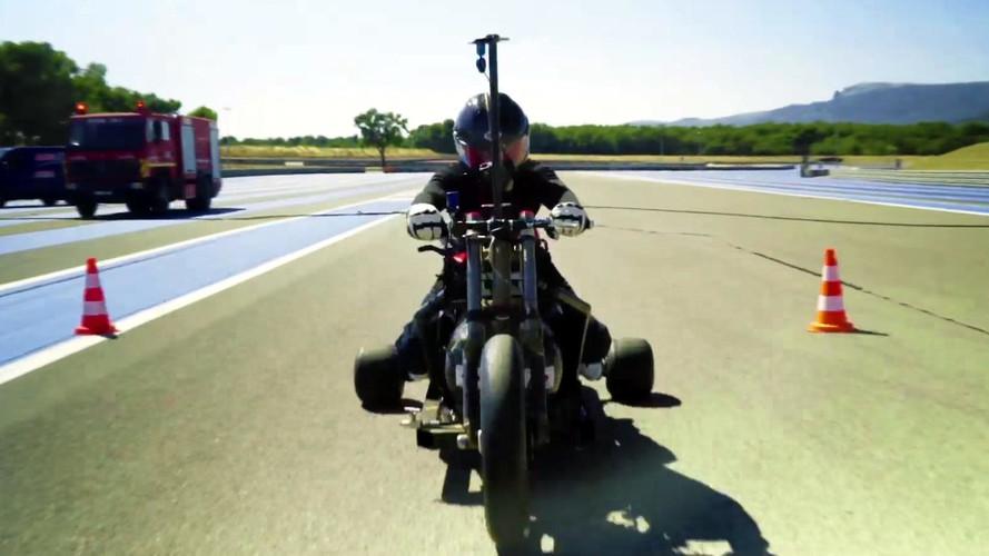 Le recordman de vitesse en vélo-fusée se tue lors d'un entraînement