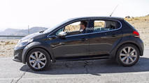 Possible Peugeot 1008 spy photo