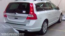 SPY PHOTOS: New Volvo V 70 Undisguised
