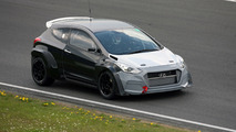 Hyundai i30 2.0 Turbo development car