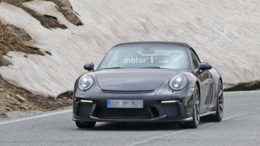 Porsche 911 spy photos