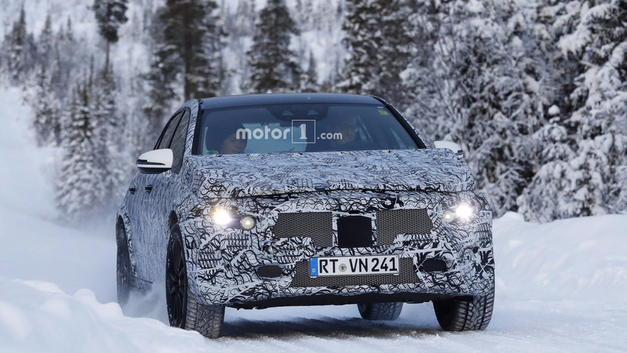 2020 Mercedes GLA new spy photos