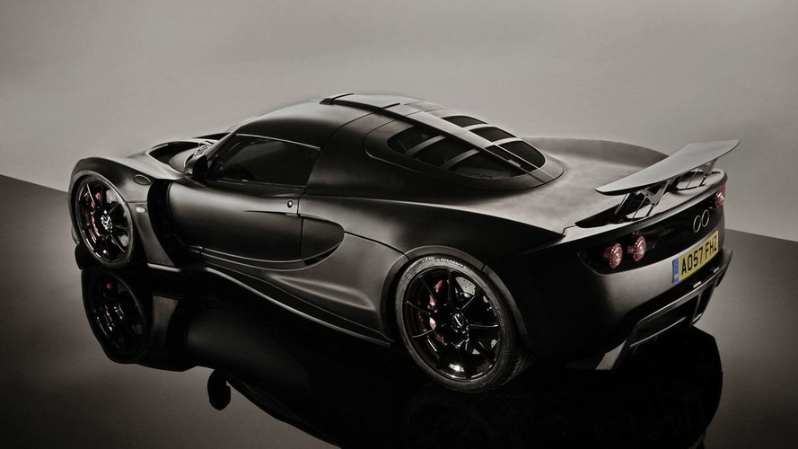 Hennessey Venom GT on the street in UK [Video]