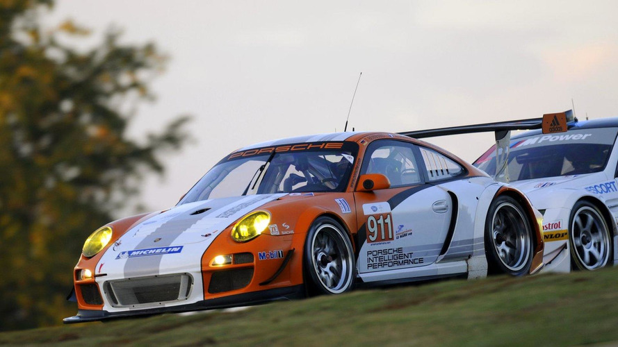 Porsche 911 GT3 R Hybrid makes North American track debut at the 2010 Petit Le Mans [video]
