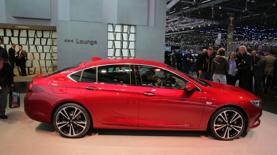 2017 Opel Insignia lands in Geneva as an appealing Passat rival