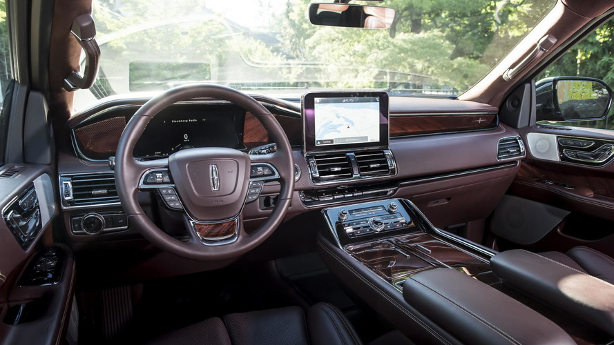 2018 Lincoln Navigation Extended Length