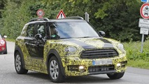 2017 Mini Countryman spy photos