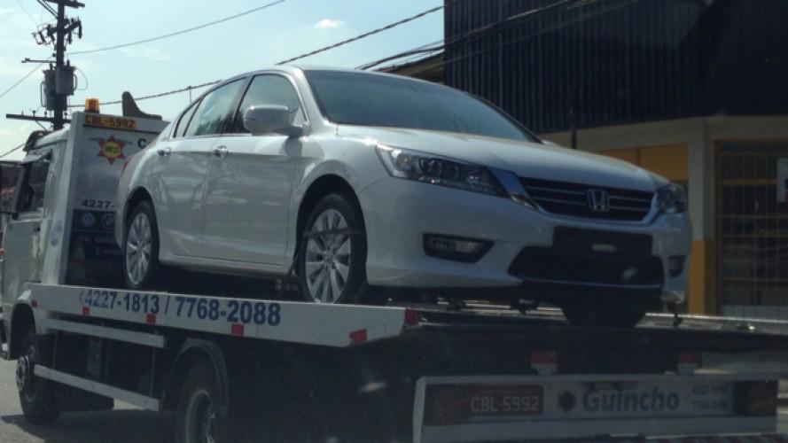 Flagra: novo Honda Accord está chegando às lojas