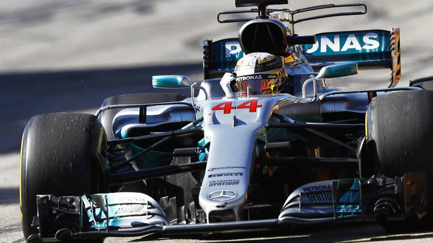 F1 United States GP: Hamilton Overtakes Vettel To Win