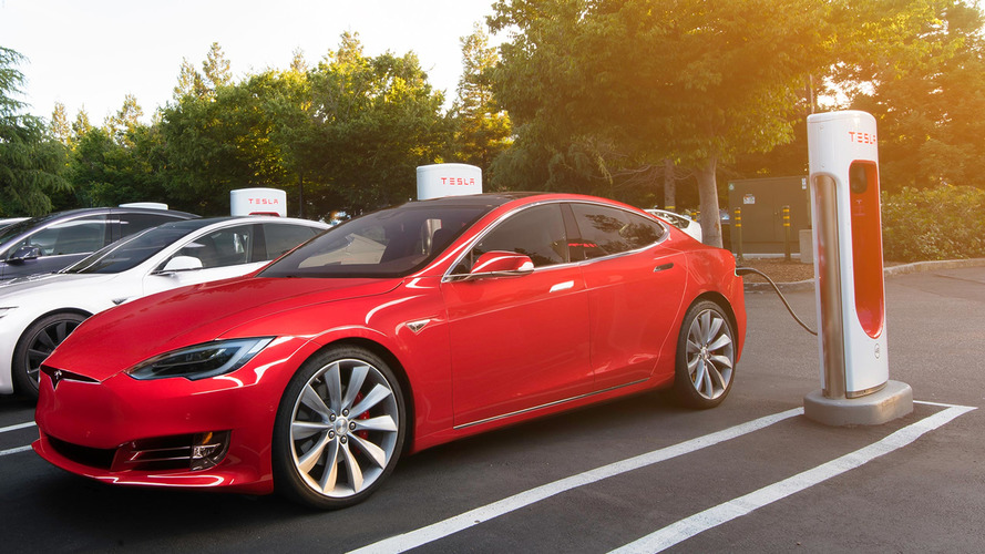 Tesla turning off the switch on free Supercharger use in 2017