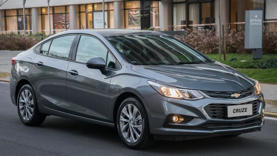 Chevrolet Cruze fica até R$ 900 mais caro