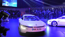 Volkswagen XL1 production version world debut