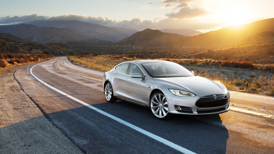 Tesla update 8.0 makes big changes to Autopilot, nav system