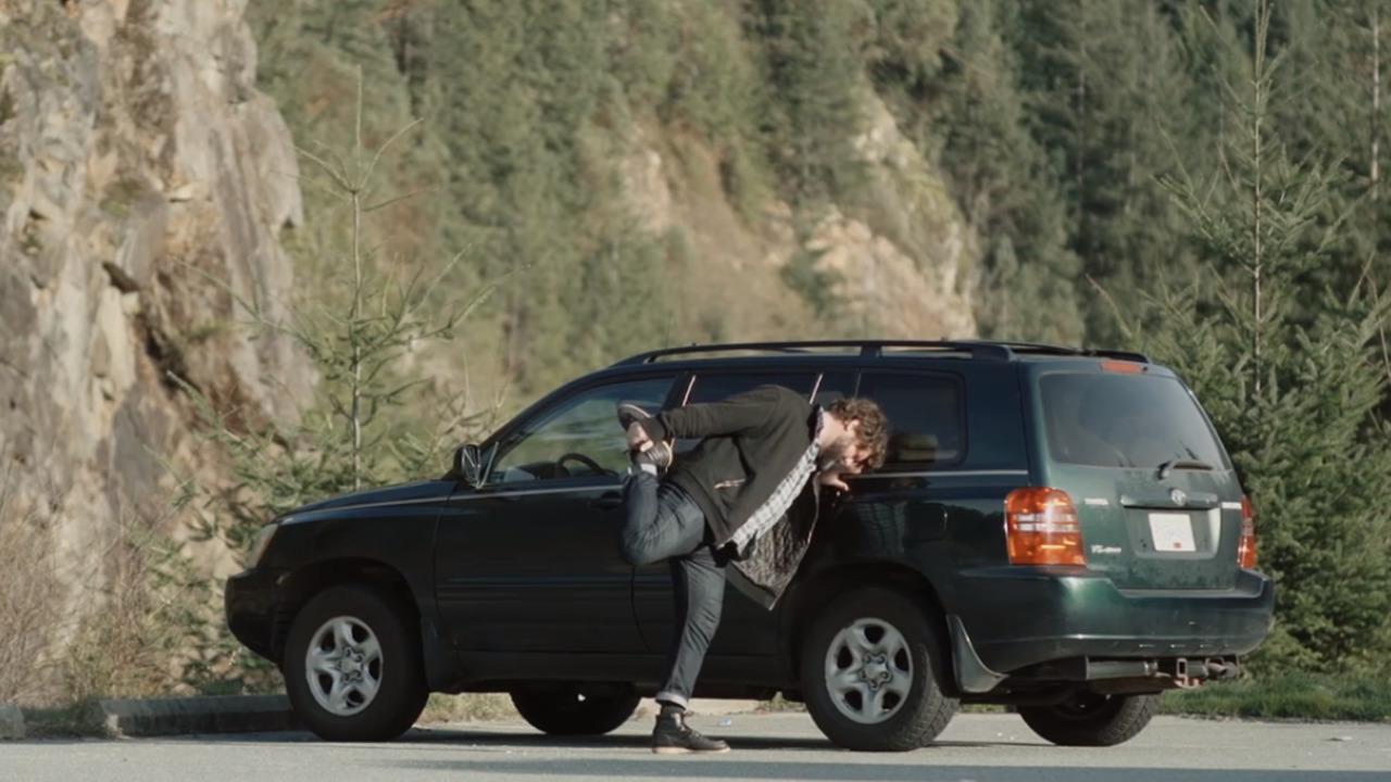 Video shows Canadian man's epic 1,944 km commute