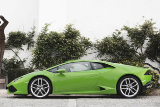 The Lamborghini Huracan is Selling Like Hotcakes