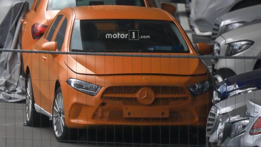 Mercedes A-Serisi dijital parçalarını casuslardan gizleyemedi