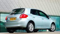 UK Welcomes New Toyota Auris SR
