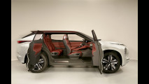 Mitsubishi GT-PHEV Concept 005