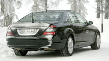 S 400 HYBRID is what you see