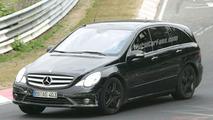 Spy Photos: Mercedes R Class 63 AMG