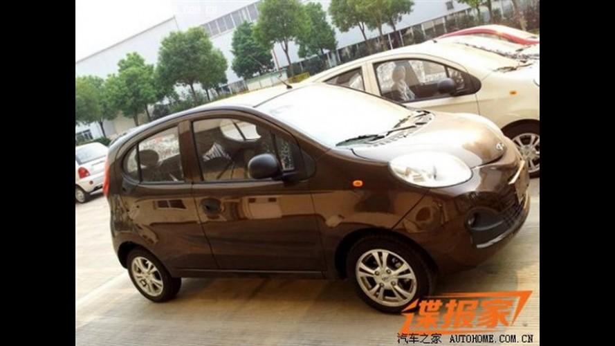 Chery QQ 2013 é flagrado sem camuflagem na China
