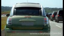 Leitor flagra Citroën C3 Conversível europeu em rodovia de São Paulo