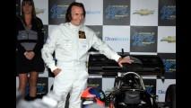 VÍDEO: Emerson Fittipaldi pilota a Lotus 72 pelas ruas de São Paulo
