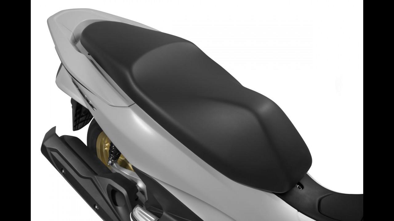 Teste: Honda PCX 2016 resolve (quase) todas as falhas do anterior