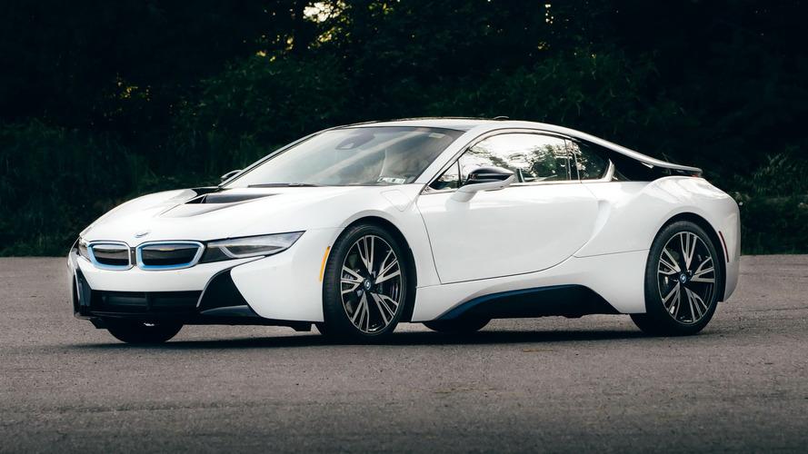 BMW i8 reestilizado estreia no ano que vem com mais potência e autonomia