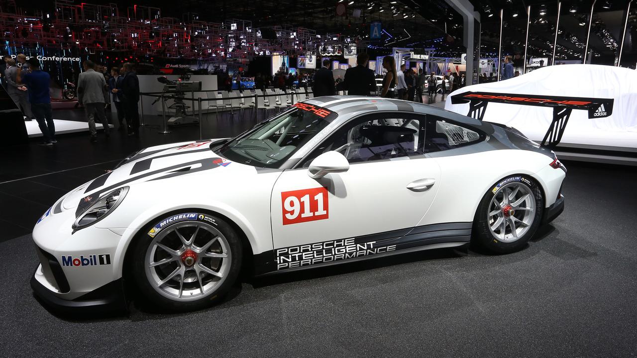 porsche 911 gt3 cup races into the paris motor show. Black Bedroom Furniture Sets. Home Design Ideas