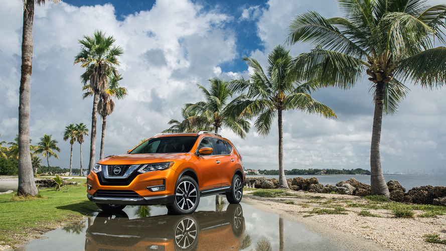 2017 Nissan Rogue gets a prettier face, hybrid powertrain