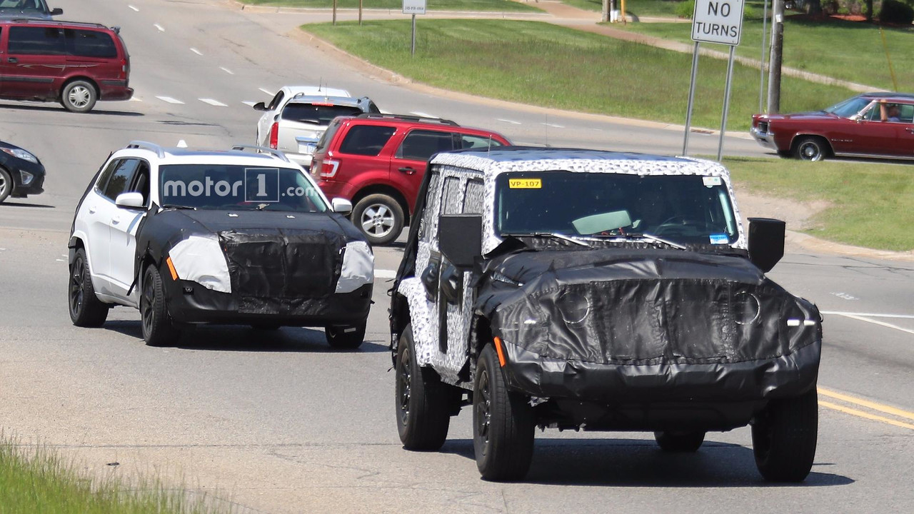 2018 Jeep Cherokee Refresh >> 2018 Jeep Cherokee Facelift Spied On Video Driving In Los Angeles