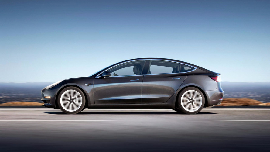 Pourquoi la production de la Tesla Model 3 tourne au ralenti ?
