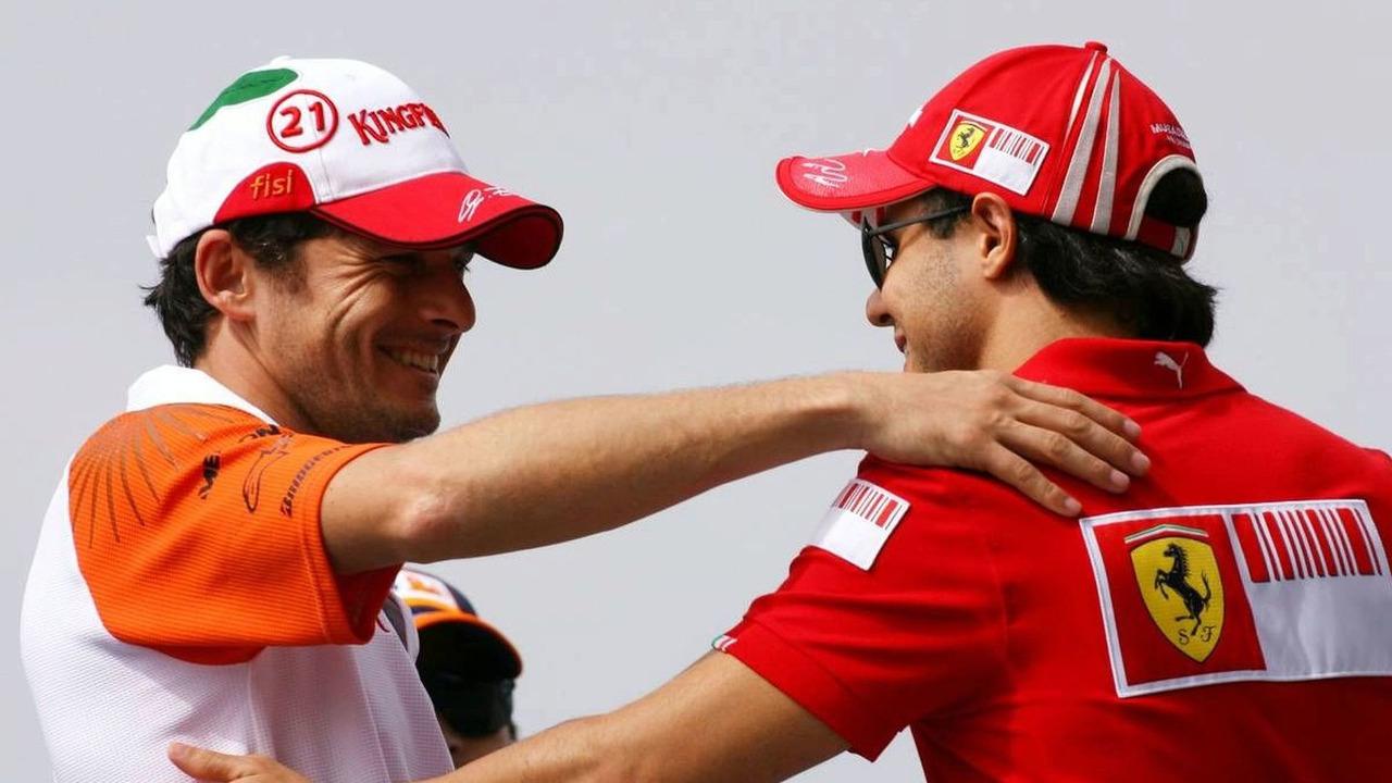 05.04.2009 Kuala Lumpur, Malaysia, Giancarlo Fisichella (ITA), Force India F1 Team and Felipe Massa (BRA), Scuderia Ferrari - Formula 1 World Championship, Rd 2, Malaysian Grand Prix
