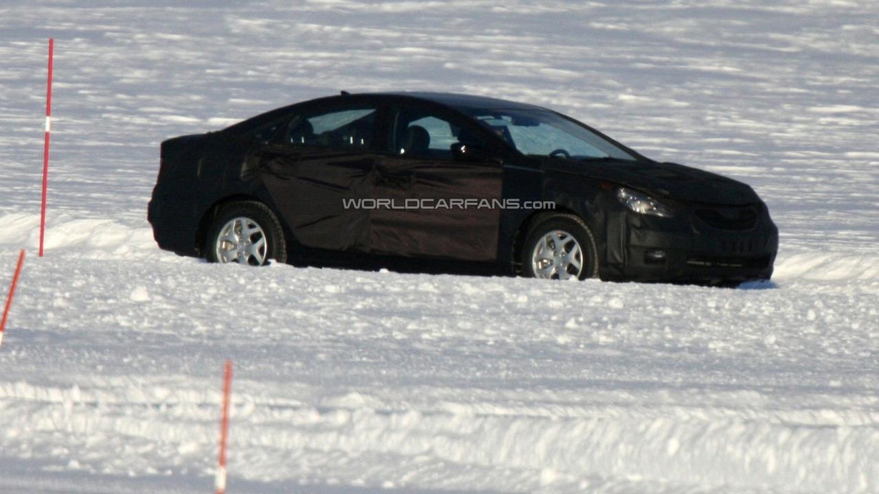 2010 Hyundai Sonata prototype spied on frozen lake