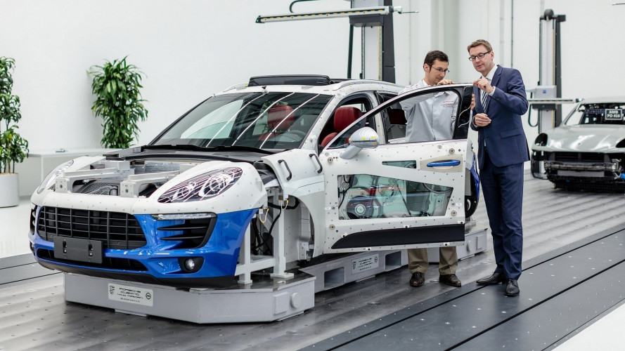 Alla scoperta della Porsche di Lipsia, dove nascono Cayenne, Macan e Panamera
