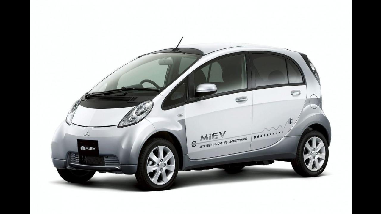 Prime foto della Mitsubishi i MiEV di serie