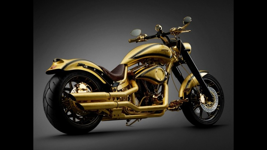 Ostentação: cliente encomenda moto folheada a ouro e com 268 diamantes